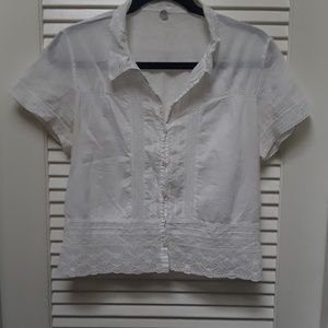 Margaret O'Leary White Button Lace Style Top